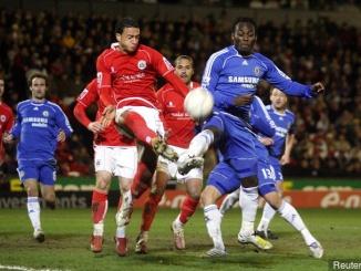 兩軍於 2008 年對賽,藍軍一球落敗