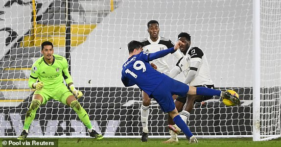 面對主隊嚴密防守,美臣·蒙特射入全場唯一入球奠勝。